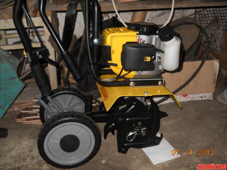 С приобретением мотокультиватора лопата ушла в прошлое. Мы значительно облегчили себе работу на земляничных плантациях.