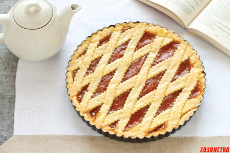 Пирог с абрикосовым джемом.jpg