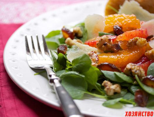 Кресс-салат с мандаринами и грецкими орехами.jpeg
