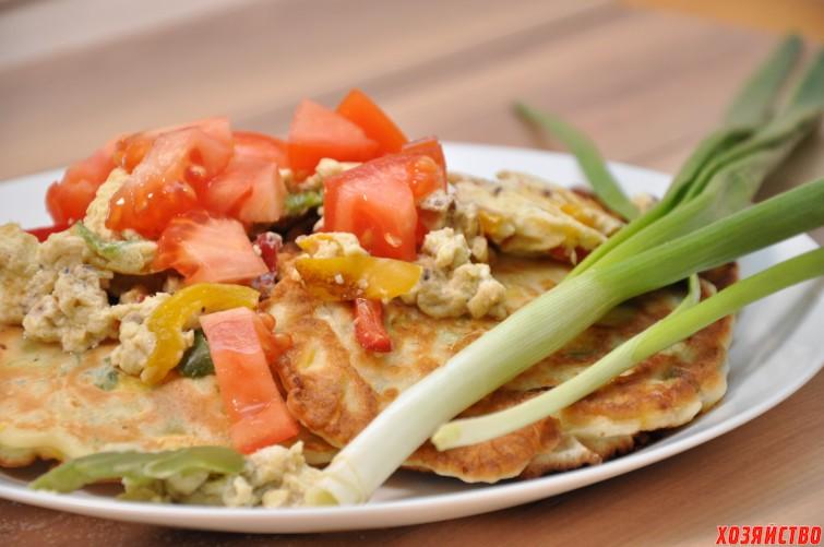 Оладушки с овощным припеком.JPG