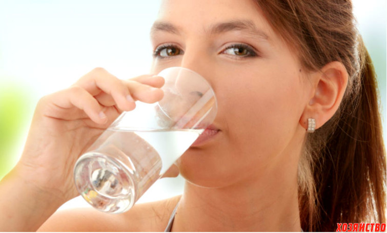 Девушкам помогает кардинально похудеть питьевая вода.jpg