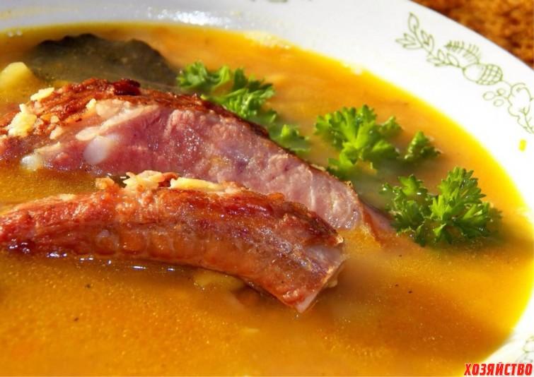 Гороховый суп с копчеными ребрышками.jpg