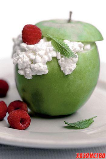 Яблоко в снегу.jpg