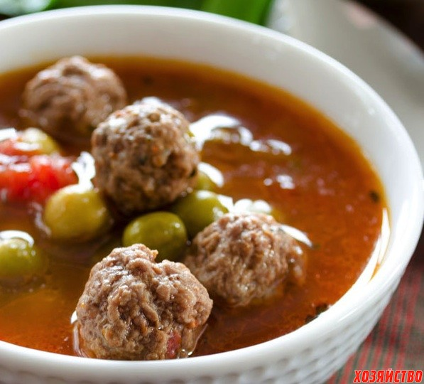 Pea-soup-with-meatballs-1.jpg