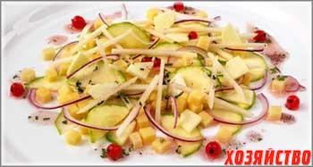 salat-iz-kabachkov-i-yablok-s-myatoj_0.jpg