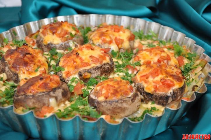 Картошка с шампиньонами и помидорами в духовке рецепт