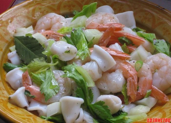 салат из креветок с рисом фото