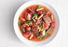 Летний овощной суп с сосисками