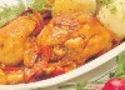 Куриные окорочка под соусом из сладкого перца