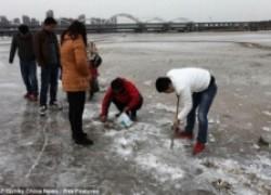Зимняя рыбалка по-китайски