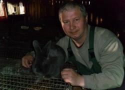 Александр МАШТАКОВ: Вырученных от разведения кроликов денег вполне хватает на безбедную жизнь