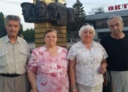 Донские старики просят лидера «Единой России» Виктора Дерябкина принять региональный закон «Дети войны»