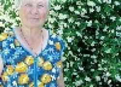 Евдокия Яровая: буду ползать а цветы не брошу
