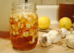Настой чеснока и чая поможет вылечить пародонтоз