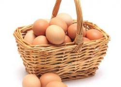 Почему у домашних яиц бледные желтки