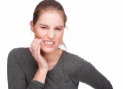 Как за пять минут успокоить зубную боль