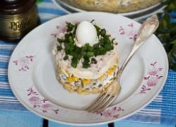 Пасхальный слоистый салат с маринованными грибами