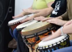Как игра на барабанах исцеляет тело, ум и душу