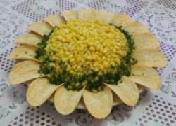 Наш фирменный семейный салат «Ромашка»
