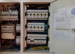 Помощь профессиональных электриков как надежная защита от пожара