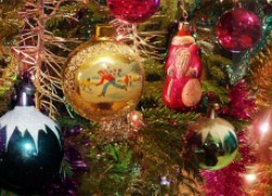 Украшаем елку к новогоднему торжеству
