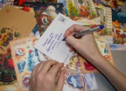 Старая добрая традиция – отправлять открытки по почте – возрождается