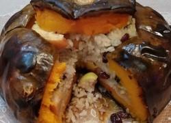 Сладенькая тыквочка, фаршированная рисом с фруктами