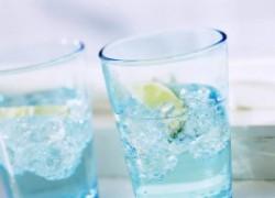 Почему лучше пить теплую воду, а не холодную