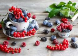 Первые ягодные радости