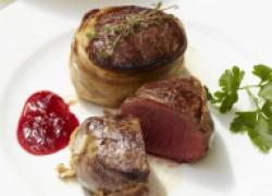 Рецепт вкуснейшей говяжьей вырезки в бараньей сетке