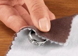 Эффективное очищение серебряных украшений