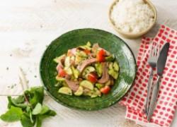 Овощной салат с говядиной