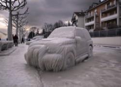 Открываем замерзшую машину
