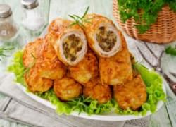 Мясные рулетики с грибами и сыром