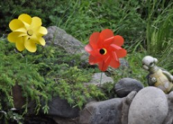 Игрушка-вертушка в виде цветка