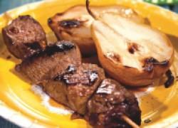 Шашлык из говядины с грушами
