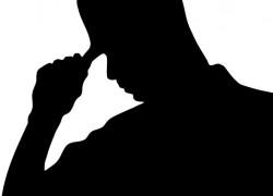 Я ее подвел к иконе и говорю: «Крестись, если у тебя никого из мужчин не было»