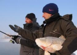 Март не совсем еще весна, но рыба ловится!