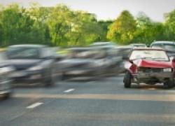 Водителей, скрывшихся с места аварии, наказывать будут суровей