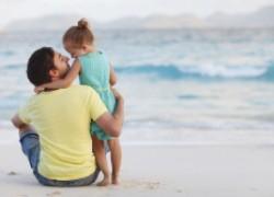 Почему отцам нужно баловать дочерей