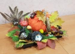 Осенняя поделка «Компашка у тыквы»