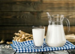 Молоко способствует быстрому выведению алкоголя из печени