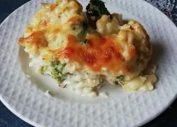 Картофель, цветная капуста и брокколи в соусе бешамель