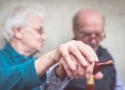 Старческое слабоумие: кому грозит и как предотвратить