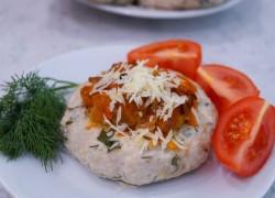 Мясные ватрушки с овощной начинкой