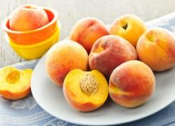 Правила ухода за нектаринами и персиками