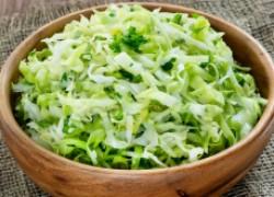 Капустный салат с щавелем