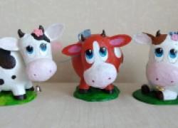 Коровки-копилочки из папье-маше