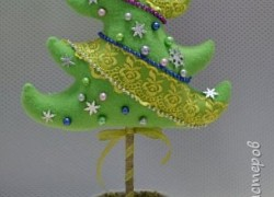 Елочка-топиарий из флиса
