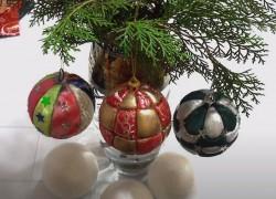 Новогодние шары из лоскутков и обрезков ткани